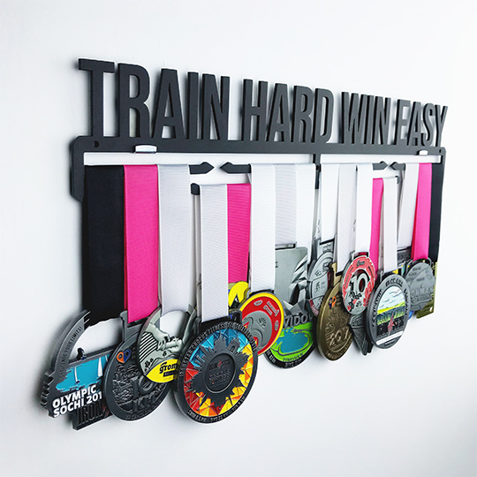 Медальница 'Train hard win easy'